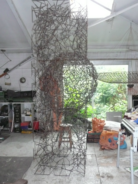 Jaartal 2012 materiaal gelast staal H 270 cm B 80 cm