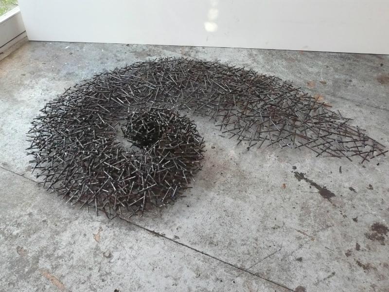 jaartal 2012 wand of vloerobject l materiaal gelast staal 170 cm b 120 cm h 25 cm